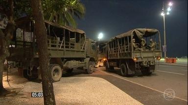 Homens das Forças Armadas reforçam o policiamento nas ruas do RJ - Fuzileiros navais e soldados do Exército estão no Estado numa medida preventiva para evitar confusão e desordem.