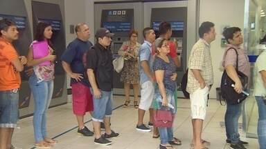 Conta inativa do FGST deve movimentar economia em Manaus - Setor deve receber injeção após saques do benefício.