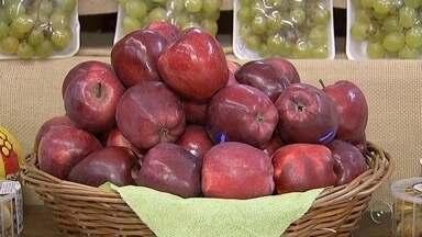 Consumo de maçã traz benefícios à saúde - A maçã é uma fruta que possui nutrientes importantes e faz bem para o organismo. Confira quais são os benefícios.