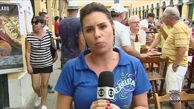 Comerciantes do Mercado Público se unem para marcar o pré-carnaval de Florianópolis - Comerciantes do Mercado Público se unem para marcar o pré-carnaval de Florianópolis