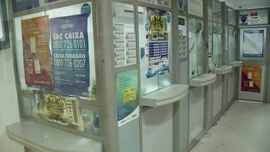 Casa lotérica é assaltada em Campos, RJ, na tarde desta quinta-feira - Assaltante fugiu de táxi. Ninguém foi preso.