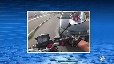 Casal que se envolveu em acidente segue internado em Caruaru - Acidente ocorreu na Avenida Adjar da Silva Casé.