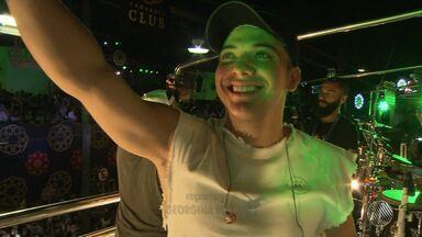 Wesley Safadão arrasta multidão no carnaval de Salvador - Pelo terceiro ano seguido, Safadão levou o seu ritmo para a avenida e ainda abriu espaço para o funk paulista.