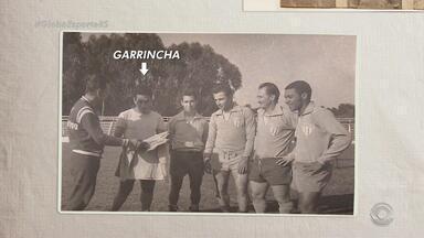 Ídolo nacional, Garrincha já vestiu a camisa do Nóia - Ele já estava quase aposentado quando foi convidado para participar de um amistoso contra o Inter.