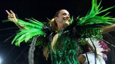 Ivete Sangalo desfila na Sapucaí, no Rio de Janeiro - A cantora é a homenageada da escola Grande Rio.