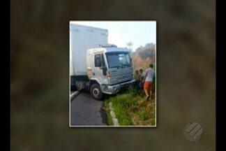 PRF registra dois acidentes com morte em rodovias federais no Pará neste sábado (25) - Na BR-010, a Belém-Brasília, houve uma batida entre uma carreta e uma motocicleta, e o homem que pilotava a moto morreu na hora. Outro acidente foi no km-112, da BR-316, em Santa Maria do Pará. De acordo com a Polícia Rodoviária federal, uma carreta colidiu com dois veículos pequenos.