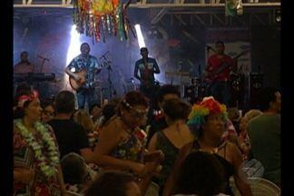 Em Belém, baile do Centur garantiu diversão para crianças e adultos - Baile carnavalesco já se tornou tradição na capital paraense.