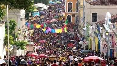 Em Olinda, carnaval atrai gente de todo lugar do Brasil e estrangeiros - Todos os sotaques cabem nas ruas de Olinda. É como se o Brasil todo estivesse representado em poucos quilômetros quadrados.