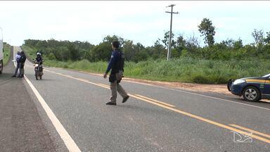 Policiais rodoviários fiscalizam motoristas nas estradas do Maranhão - Em Balsas na tarde de terça-feira (28) o foco dos policiais foi combater a mistura perigosa de álcool e direção.