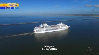Rio Grande recebe navio internacional - Transatlântico tem mais de 600 passageiros.