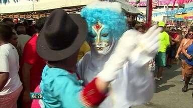 Em Bezerros, no Agreste, carnaval é festa de todos os ritmos - Na terça-feira, para muita gente, a festa estava 'aida começando'.
