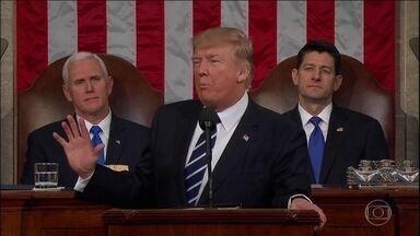 Trump baixa tom agressivo no primeiro discurso no Congresso - O presidente americano Donald Trump baixou o tom agressivo e tentou passar uma mensagem de união no primeiro discurso no Congresso para senadores e deputados.