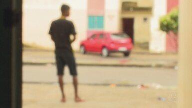 Moradores do Mucajá gravam vídeos mostrando menores sendo aliciados ao trágico de drogas - Os moradores cobram mais policiamento e ações dos órgãos de proteção às crianças e adolescentes.