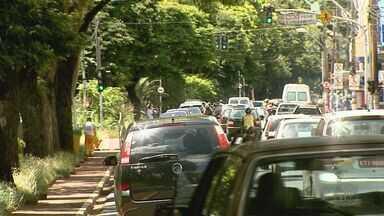 Levantamento aponta cerca de 30 acidentes de trânsito por dia em Ribeirão - Relatório da Transerp mostra que maioria das batidas acontece na hora do almoço.