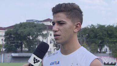 Vitor Bueno fala sobre a preparação para o clássico contra o Corinthians - Partida será disputada neste sábado, às 18h30 (de Brasília), na arena corintiana.