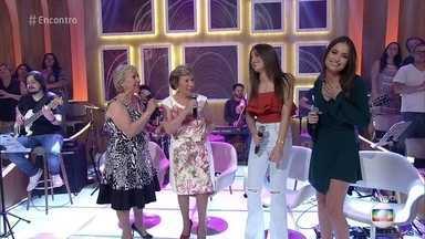 As Galvão e a dupla Júlia & Rafaela cantam 'Beijinho Doce' - Irmãs Galvão completam 50 anos de carreira. As gêmeas Júlia e Rafaela têm apenas 15 anos e se apaixonaram pelo clássico durante a exibição da novela 'A Favorita'