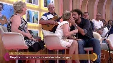 Marilene, da dupla As Galvão, dá selinho em Andreoli e Lair - Cantora diz que esta sexta-feira é o dia do selinho