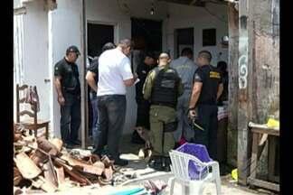 Dois homens são encontrados mortos em casa no Telégrafo - Vítimas viviam como casal, segundo vizinhos.