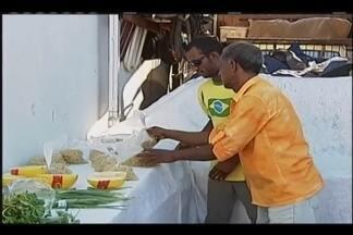 Quadro 'Heróis do Cotidiano' mostra morador de Uberaba que doa verduras em feira livre - Aposentado monta uma estrutura e oferece frutas e verduras para quem precisa.