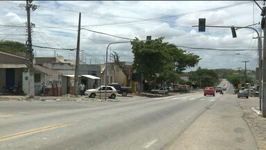 Semáforo instalado ano passado na BR-230, em São José da Mata, ainda não está funcionando - STTP diz que ainda está concluindo o projeto de instalação de um binário no local.