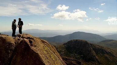 Reveja desafio do Plugue no Pico das Agulhas Negras em Itatiaia – parte 1 - Diana Sabadini recebeu desafio da ONG Anjos da Montanha e chegou a parte mais alta do estado do RJ.