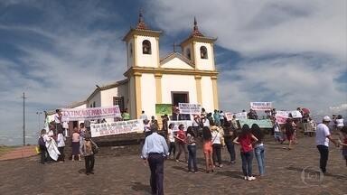 """Católicos se reúnem na Grande BH para celebrar o início da Campanha da Fraternidade - O encontro aconteceu no Santuário de Nossa Senhora da Piedade, em Caeté. O tema deste ano é """"Biomas Brasileiros e Defesa da Vida""""."""