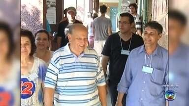 Morre Manoel Antunes, ex-prefeito de Rio Preto por dois mandatos - O ex-prefeito de São José do Rio Preto (SP) Manoel Antunes morreu na madrugada deste sábado (4), no hospital Beneficência Portuguesa, devido à complicações pulmonares. Conhecido na cidade como professor Manoel e Mané, ele estava internado na Unidade de Terapia Intensiva (UTI) da unidade desde o dia 22 de fevereiro e tinha 83 anos, completados na última quarta-feira (1º).