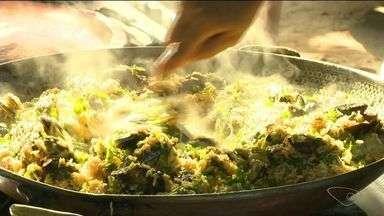 Peixes e frutos do mar fazem sucesso na Lagoa do Siri, em Marataízes, ES - Muita gente foi curtir o primeiro festival gastronômico.