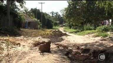 Moradores do Povoado Salobro reclamam da falta de pavimentação - Moradores do Povoado Salobro reclamam da falta de pavimentação