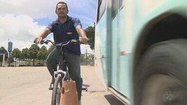 Motoristas de ônibus trocam de lugar com ciclistas em ação de conscientização no AM - Ação visa reduzir número de acidentes de trânsito.