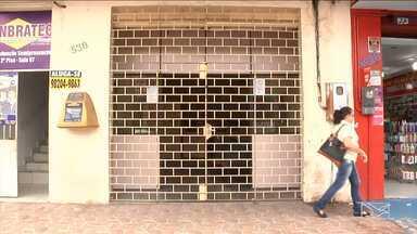 Assaltos em pontos movimentados deixam comerciantes apavorados em Imperatriz - Comerciantes que trabalham perto da agência dos Correios reclamam da sensação de insegurança no bairro Nova Imperatriz.