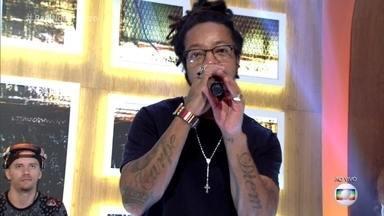 Rael canta 'Envolvidão' - Cantor prepara turnê do novo disco com diversas participações