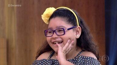 Aos 9 anos, Rafaela conta que fez muitos amigos quando ficou internada - A menina diz que brincava muito e sempre acreditou que ficaria boa