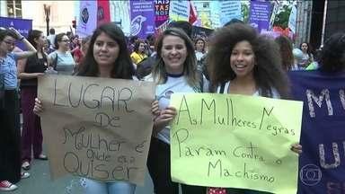 Dia Internacional da Mulher tem manifestações no Brasil e no mundo - Multidões foram às ruas pedir igualdade de direitos e o fim da violência. No Brasil, críticas também ao governo Temer e à reforma da Previdência.