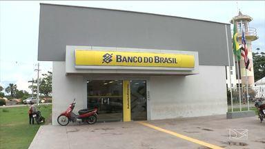 População de Peritoró reclama de ausência de serviços em agência bancária - População não está podendo efetuar saques e realizar pagamentos na agência do Banco do Brasil.