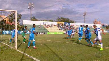 Cruzeiro-RS vence em Gravataí e tira os 100% do líder Novo Hamburgo - No duelo da Região Metropolitana, Thiago Alagoano faz o único gol da partida.