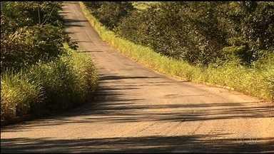 Após reclamação de motoristas, Agetop recupera asfalto e tapa buracos da GO-338 - Rodovia liga as cidades de Pirenópolis e Goianésia.