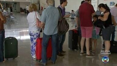 Justiça Federal barra novas regras da Anac para cobrança de bagagens - A Justiça Federal barrou a cobrança das bagagens despachadas pelas companhias aéreas. As novas regras da Anac (Agência Nacional de Aviação Civil) começariam a valer nesta terça-feira (14).