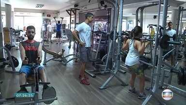 Atividade física deve ser incorporada de forma rotineira, diz educador - Entrevista com o professor Felipe Lima.