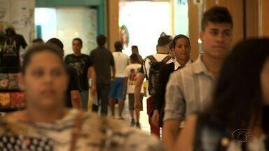 Número de endividados cai em Alagoas, revela pesquisa - Estudo foi feito pela Fecomércio.