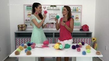 Aprenda a fazer um pompom básico em casa - Blogueira Paula Stephânia mostra como é fácil fazer pompons usando apenas lã e tesoura