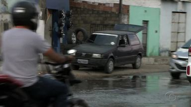 Rescaldo da chuva causa transtornos no bairro da Levada - Local alaga durante o período chuvoso.