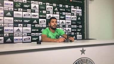 Henrique Almeida lembra que, apesar da fase, ataque do Coritiba vem fazendo gols - Henrique Almeida lembra que, apesar da fase, ataque do Coritiba vem fazendo gols