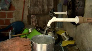 Programa Sisar leva água a comunidades distantes no interior do Ceará - NE Rural visitou agricultores que passaram a receber água na torneira com ajuda do programa.