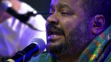 Arlindo Cruz permanece internado - O cantor e compositor sofreu em AVC (Aneurisma Vascular Cerebral) na tarde de ontem. Segundo o boletim médico, o quadro é grave, porém estável.