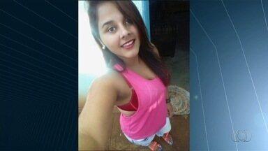 Família busca tratamento para adolescente, em Goiânia - Garota de 16 anos está internada há 13 dias e médicos não sabem o que ela tem.