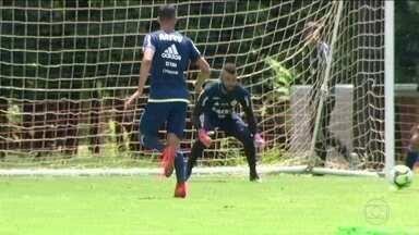 Após folga, jogadores do Flamengo se reapresentam para treino no Ninho do Urubu - Zé Ricardo vai escalar força máxima contra o Bangu.