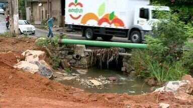 Ponte que liga bairros em Cariacica, ES, ainda não é concluída - Promessa é entregar a obra pronta no dia 18 de novembro deste ano.