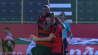 Pineda comemora bom momento no Vitória e planeja permanecer no time - Equipe enfrentar o Sergipe pela Copa do Nordeste, na quarta-feira (22).