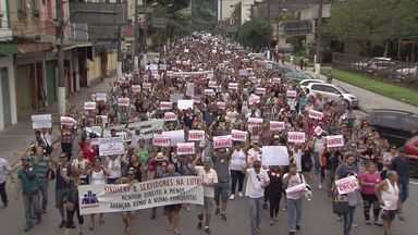 Servidores municipais mantêm a greve geral em Santos - Greve da categoria completou 13 dias nesta terça-feira (21).